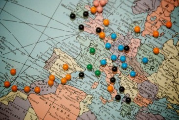 travel-map-with-push-pins